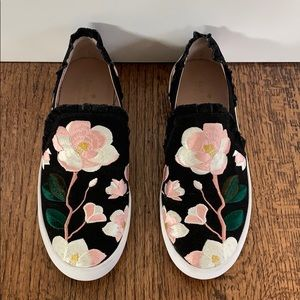 Kate Spade embroidered sneaker. 8.5 M